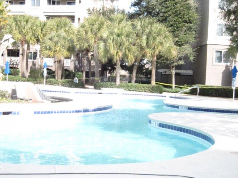marriott-oceanfront-pool-deck-paint