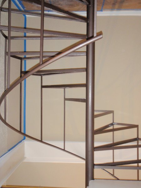 wrought-iron-stairway-after-hammered-finish